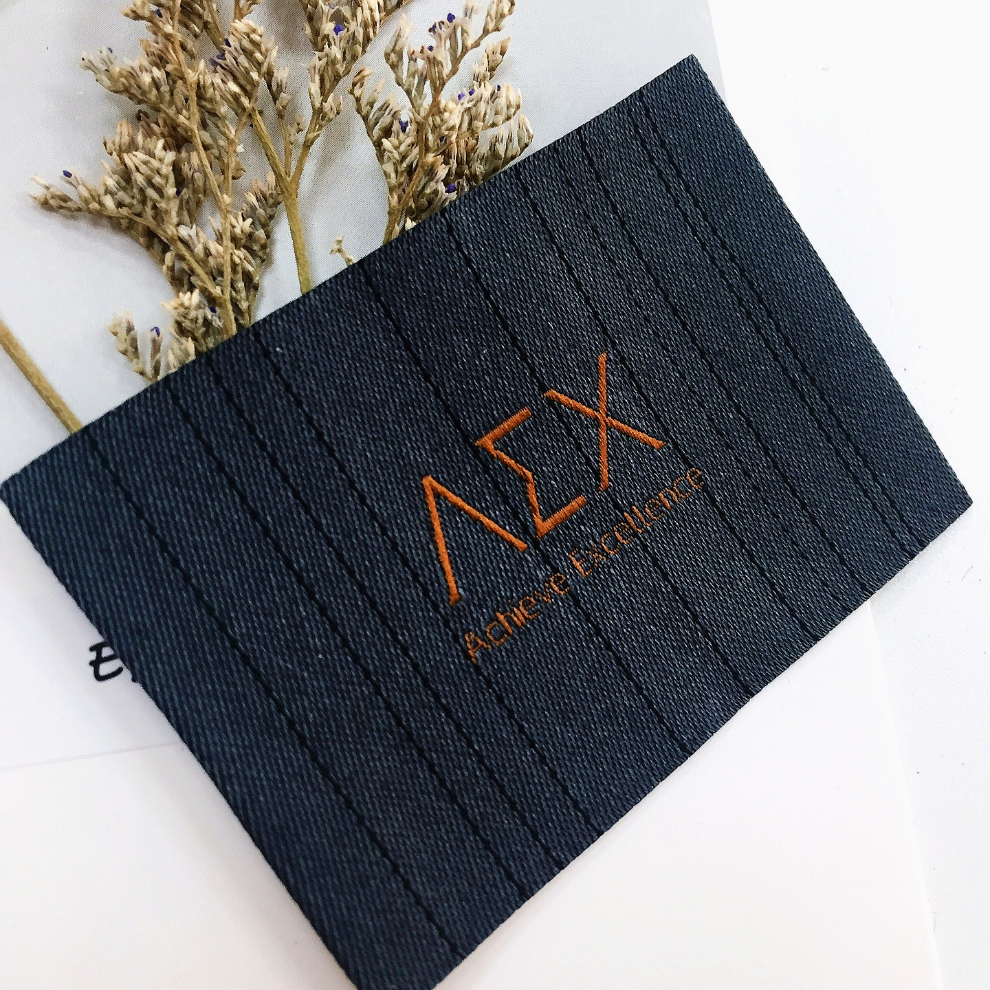 wholesale custom woven main clothing Golden line labels for coat or all clothing etiquette textile108037