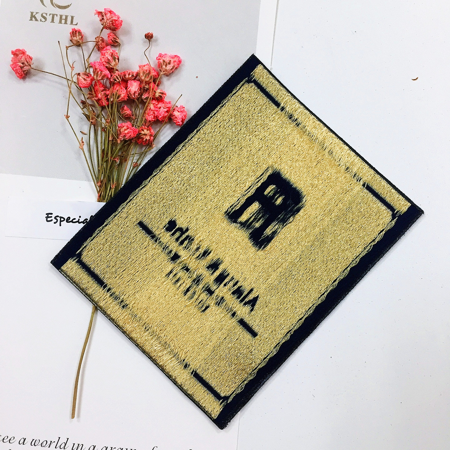 wholesale custom woven main clothing Golden line labels for coat or all clothing etiquette textile1206012