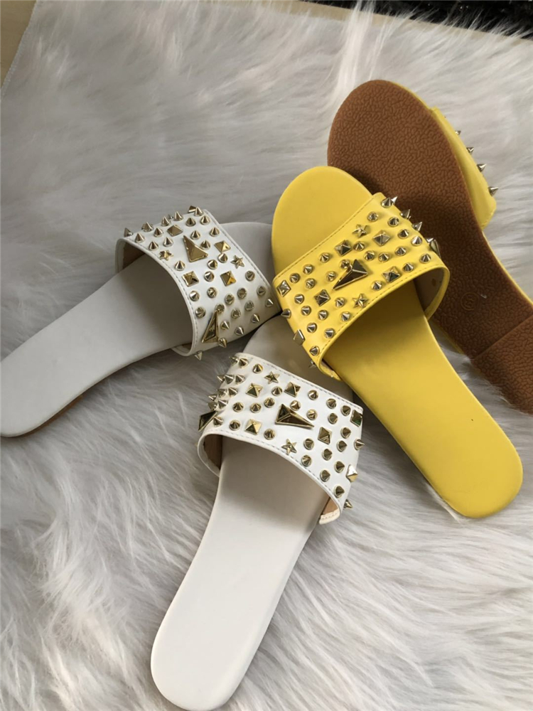 Summer Women Sandals Rivet Cut Out Ladies Flat Form Sandals Outdoor Holiday Slides