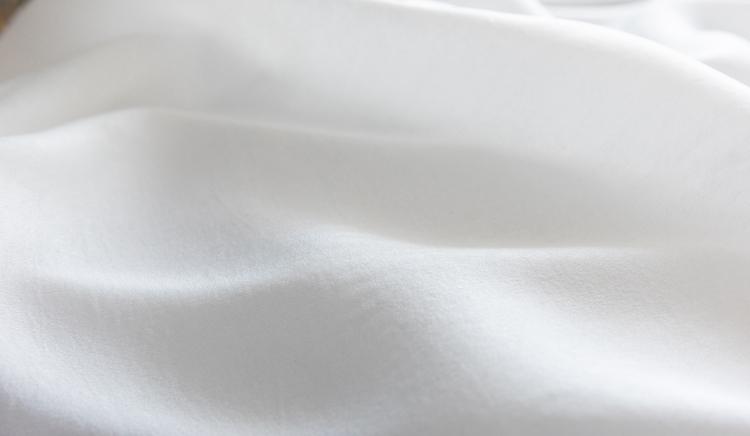 Factory Supply silk soft and warmful yarns white tulle window curtain fabric with pleat or rings