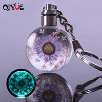 QIYUE Dried Flower Real Flower Transparent Led Crystal Glass Keychain Charms