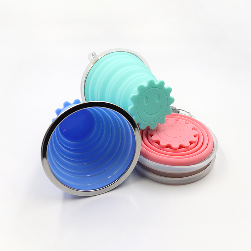 Colorful Food Grade Flower-shaped Base Silicone Folding Cup with Lid for Outdoor Hiking