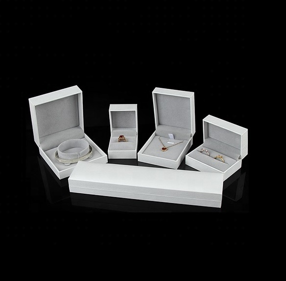 White High-end leatherette paper Jewellery Boxes Ring Double Rings Pendant Necklace Bracelet Bangle Jewelry Boxes set for gift