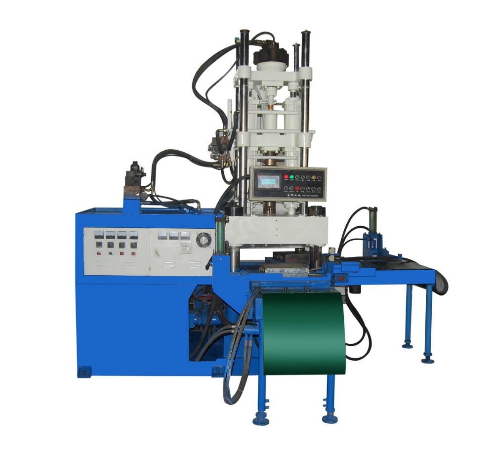 Vertical PVC strap or soles making machine