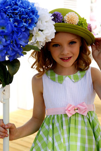 Hot Brand Name White Beautiful Beach Flower Dresses For 3 To 10 Years Old