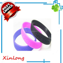 custom debossed mens sport silicone wristband for promotional gift, Wholesale promotional silicone bracele