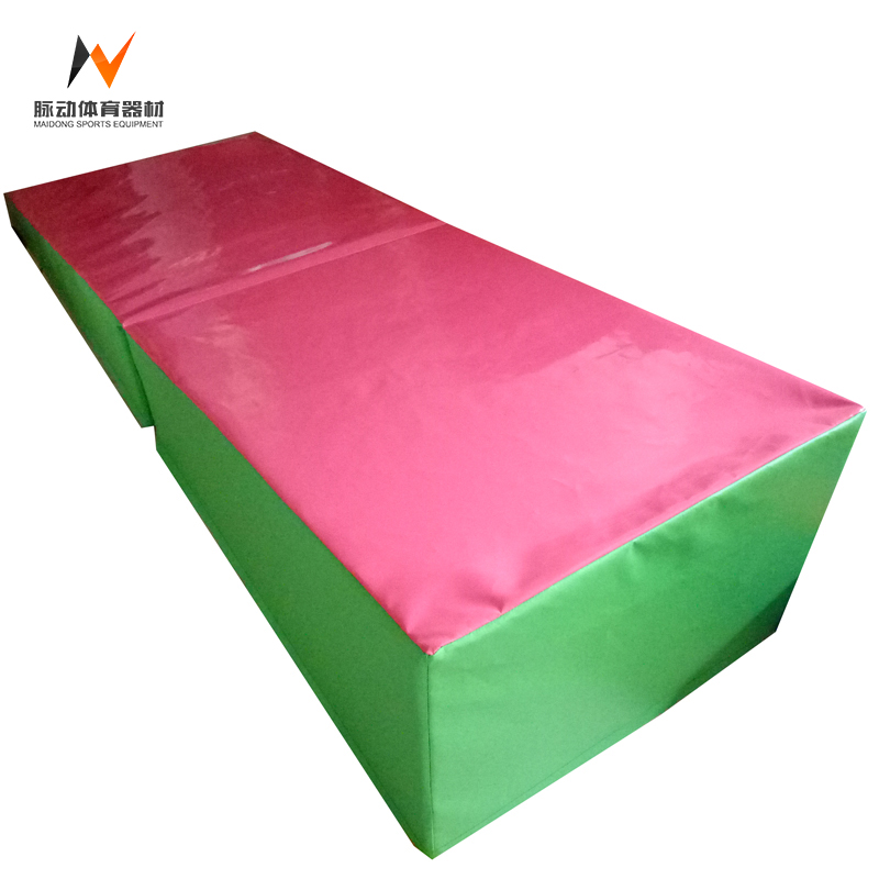 Incline folding gymnastic mat for kids tumbling gymnastics wedge mat