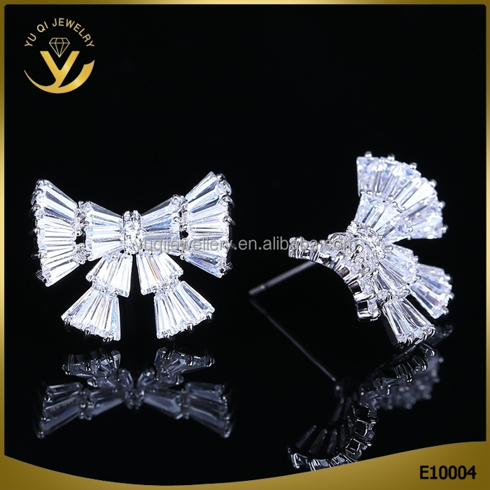 Collette Z Sterling Silver Clear Cubic Zirconia Square Bow Jewelry Stud Earrings