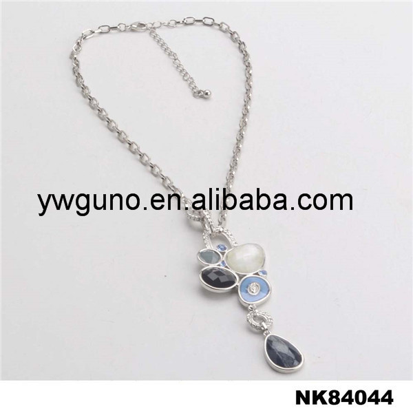 latest fashion round resin and glass pendant white gold plating chain necklace