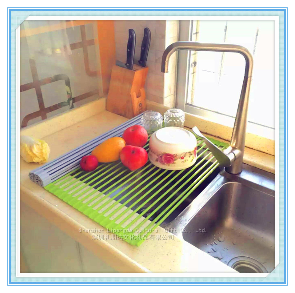 2016 Hot Selling Kitchen Accessories Easy Storage Foldable And Non slip Silicone Kitchen Dish Rack