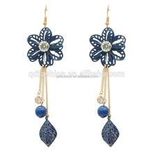 Wholesale Fashionable Iron Long Chain Charm Chandelier Flower Acrylic Earrings With Ball 2018
