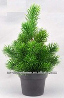GREEN ARTIFICIAL PLASTIC PINE TREE W/28 TIPS ON PLASTIC PLANTER