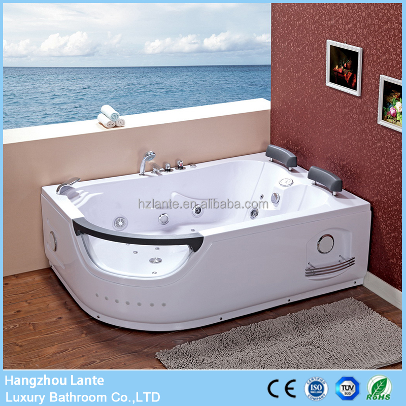 Offset corner whirlpool hydromassage bubble bath