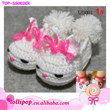 2015 fashion hot sale handmade lovely Hello Kitty crochet baby shoes