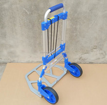 Telescoping body retractable base hand lightweight aluminium luggage trolley