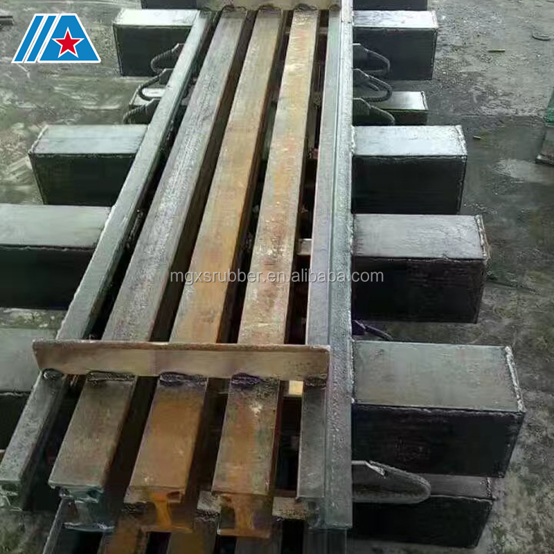 Bridge expansion joint specification