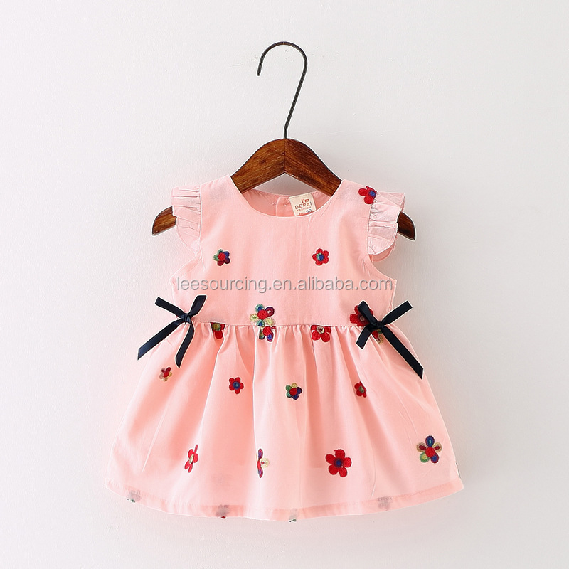 Wholesale sweet style knitted flower pattern baby dress