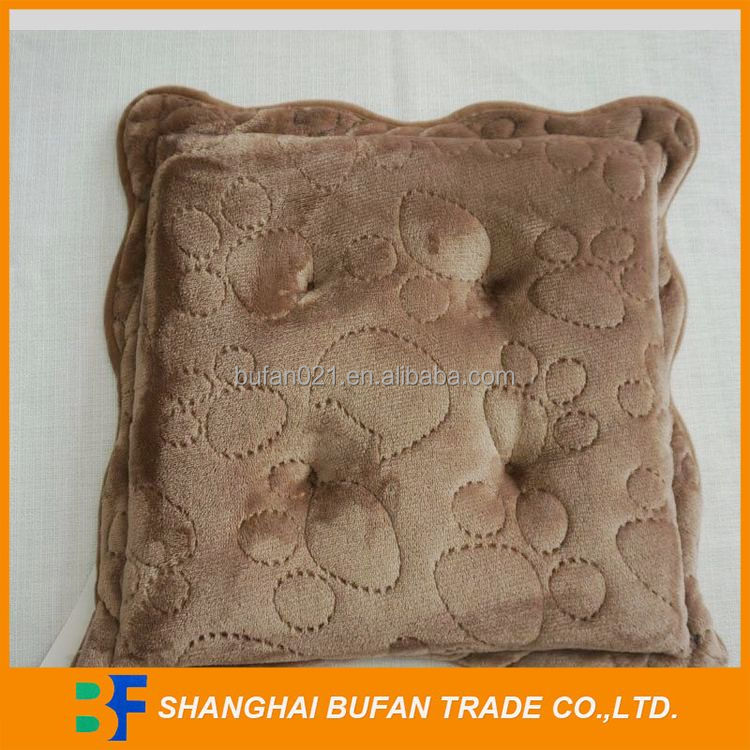 Natural style nice grade printed cushion cylindrical