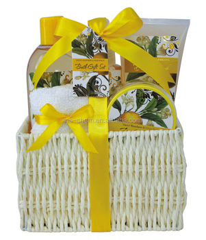 Smell fresh bath gift set with sweet mandarin & grapefruit
