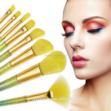 Hot style 8pcs yellow hair fluorescence color change makeup brush makeup brush.