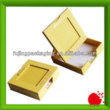 Yellow jewelry bracelet boxes for presentation