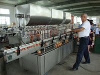 Factory price Automatic bottle rose sauce filling machine with CE,ISO