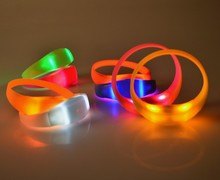 LED light silicon wristband, wristband with led, led flashing silicon bracelet for party&concert&club
