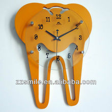 Hot Sale Fashion Design Clinic Decoration Tooth Shaped Dental Clock