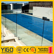 swimming pool parapet/glass fence design