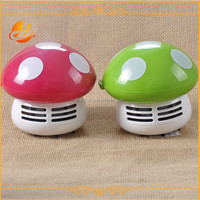 Popular cute mushroom shaped mini table vacuum cleaner/Mini desk cleaner