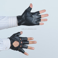 Wear comfortable men's leather motorcycle gloves