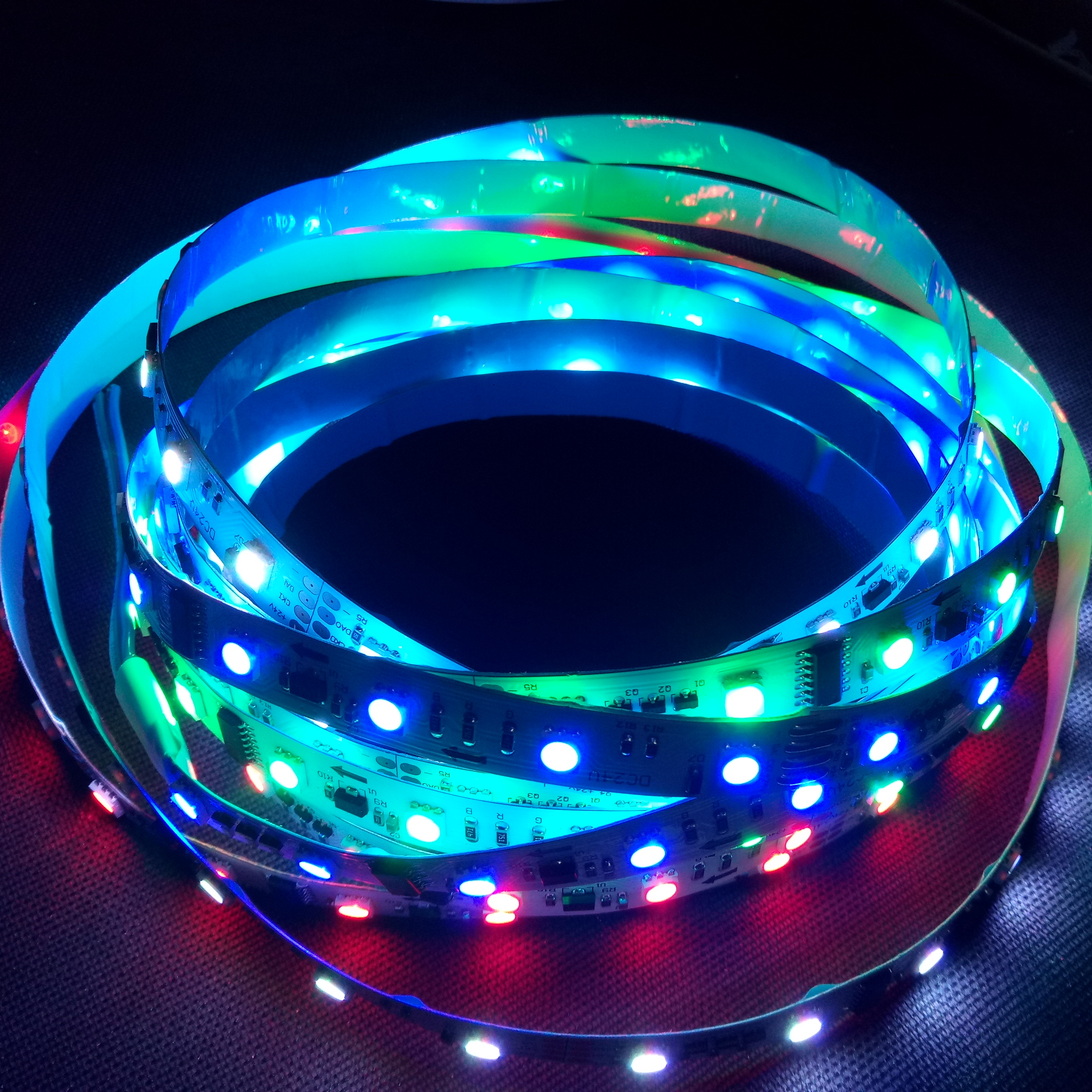 48LED per Meter, 2801 IC non-waterproof <strong>RGB</strong> chasing led flexible strip