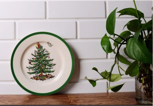 Wholesale Creative Logo and Design Customized White Porcelain Cake Plate Ceramic Christmas Tree Dinner Plate