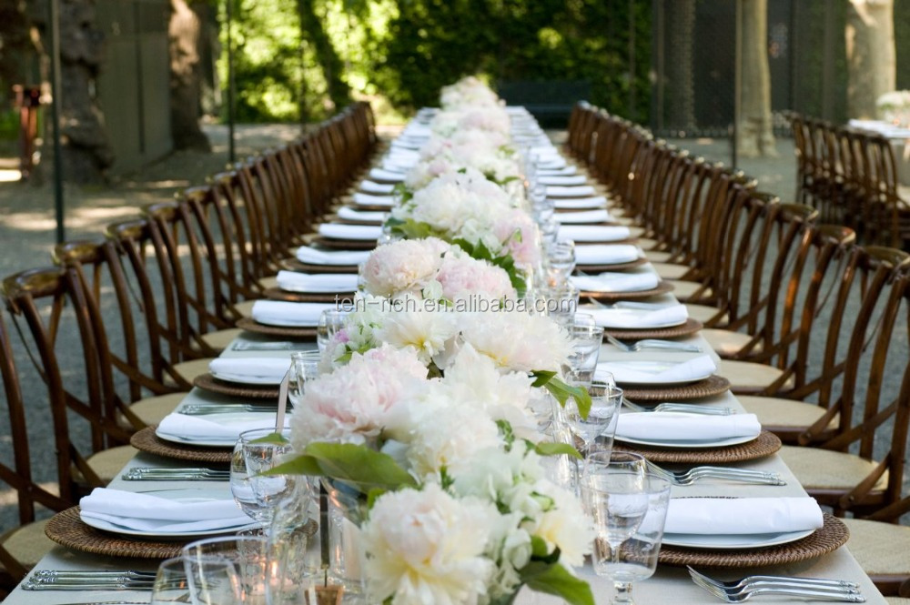 White fake flowers for wedding table decoration