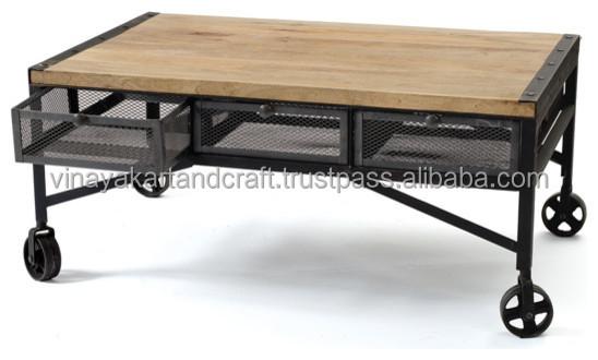 Industrial de la vendimia de caf mesa con ruedas en el - Mesas con ruedas de carro ...