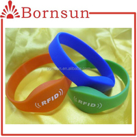 Cheap custom silicone usb bracelet