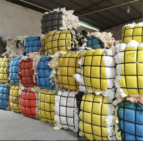 Dry and clean pu scrap foam in bales