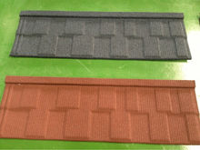 Stone chips coated metal roofing tiles