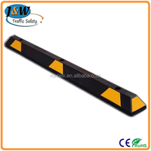 Lightweight Yellow Black Right Angle Rubber Car Wheel Stopper