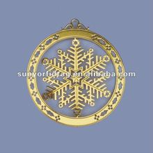 Quick delivery gold metal snow flake ornament