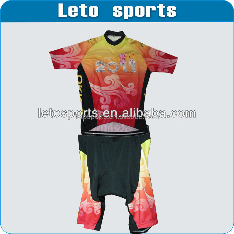 Comfortable cycling jersey and shorts skoda cycling jersey