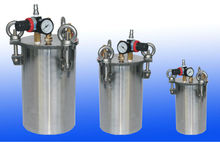 Pressure tanks equipped with the safety valve