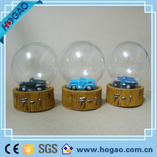 2016 high quality resin car and tree glass snow globe