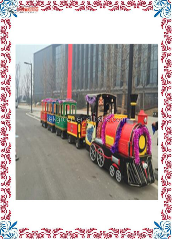 Superior Amusement Park Family Rides New Design Battery Control Trackless Train for sale with CE approved