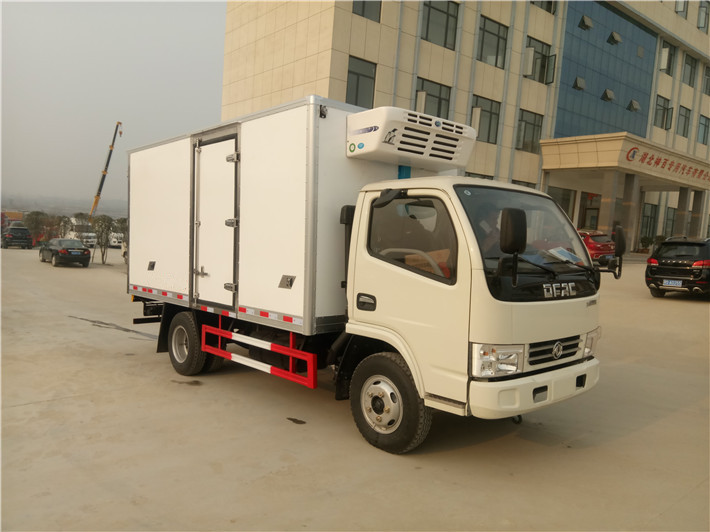 Lowest price refrigerator truck for sale! Euro 4 Dayun 3T refrigerator truck with standard specification