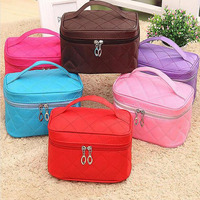 Wholesale Blanks Quilted Polyester Portable Cosmetic Bags Lady Pouch Make Up Bags With Zipper DOM 1058078