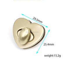High grade antique brass heart shaped metal lock for handbags handbag locks alloy bag lock