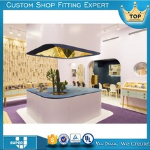 2017 latest design customized glass display cabinets in malaysia