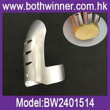 Fashion china supplier h0t3r metal wire finger guards for sale