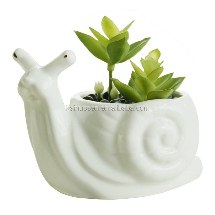 Personalized Handmade Painted Color Resin Decorative Resin Snail Planter Flower Pot